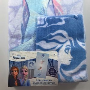 This is for a BRAND NEW Disney Frozen II Bath Set.